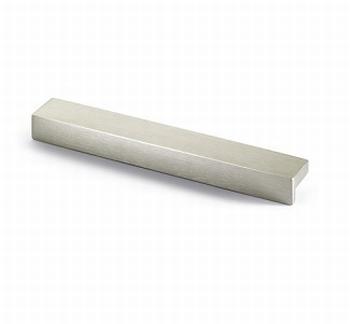 Greep Rovigo - edelstaal finish geborsteld - Lengte 143 mm<br />Per stuk